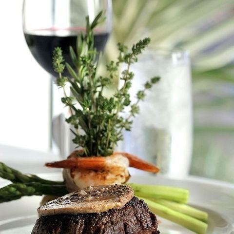 Dish, Food, Cuisine, Rack of lamb, Garnish, À la carte food, Ingredient, Steak sauce, Asparagus, Steak au poivre,