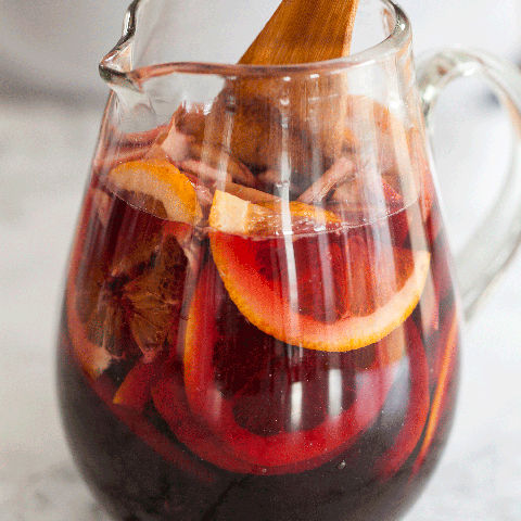 Drink, Sangria, Punsch, Kalimotxo, Alcoholic beverage, Cocktail, Mulled wine, Tinto de verano, Food, Punch,