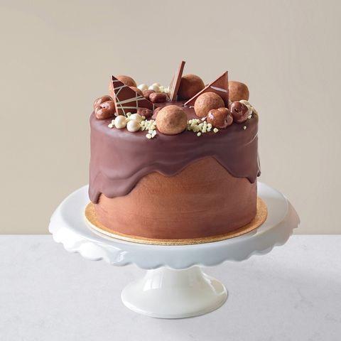 4 Marks Spencer Chocolate Caramel Millionaires Dribble Cake