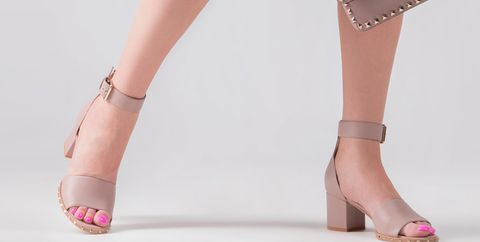 Human leg, Leg, Footwear, Foot, Ankle, Yellow, Sandal, Joint, Pink, Shoe,