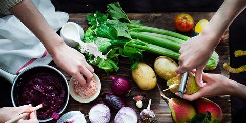 Vegetable, Radish, Food, Local food, Natural foods, Beetroot, Leaf vegetable, Produce, Calçot, Plant,