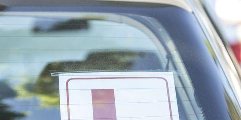 Motor vehicle, Vehicle door, Vehicle, Car, Automotive exterior, Automotive window part, Window, Family car,