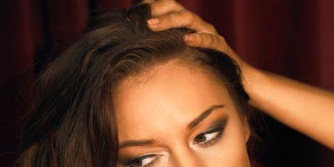Hair, Face, Eyebrow, Lip, Beauty, Forehead, Hairstyle, Blond, Skin, Chin,