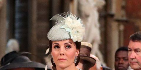 Uniform, Tradition, Monarchy, Headpiece, Event, Headgear, Smile, Gesture,