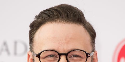 Hair, Face, Eyewear, Glasses, Eyebrow, Forehead, Chin, White-collar worker, Hairstyle, Smile,