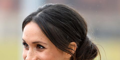 Hair, Hairstyle, Chin, Eyebrow, Forehead, Smile, Lip, White-collar worker, Chignon, Businessperson,