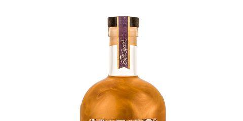 Distilled beverage, Liqueur, Drink, Alcoholic beverage, Whisky, Bottle, Blended malt whisky, Glass bottle, Blended whiskey, Alcohol,