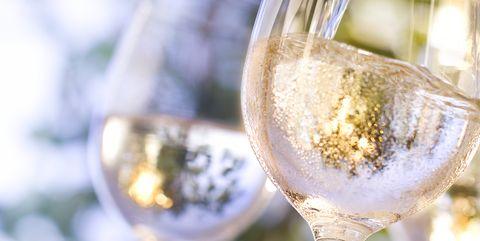 Champagne stemware, Stemware, Wine glass, Drink, Glass, Champagne cocktail, Drinkware, Champagne, Alcoholic beverage, Wine,