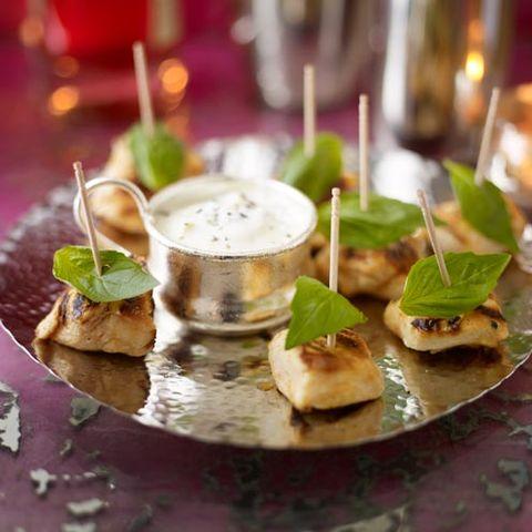 Leaf, Cuisine, Dish, Garnish, Serveware, Ingredient, appetizer, Recipe, Culinary art, Herb,