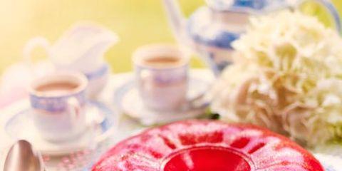 Serveware, Cuisine, Dishware, Food, Red, Dessert, Ingredient, Sweetness, Baked goods, Tableware,