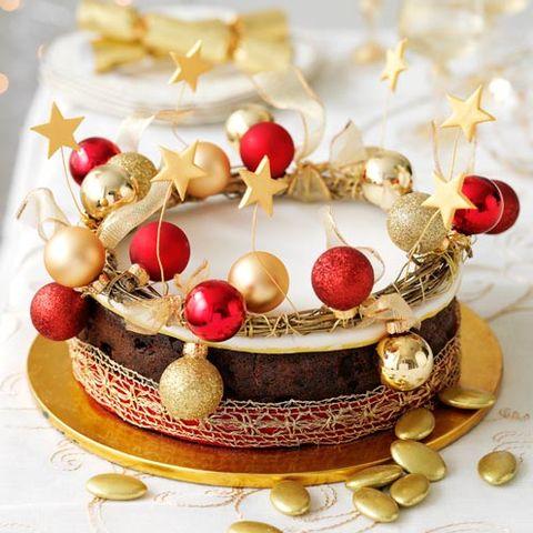 Cuisine, Dessert, Sweetness, Ingredient, Natural material, Kuchen, Dish, Cake, Garnish, Baked goods,