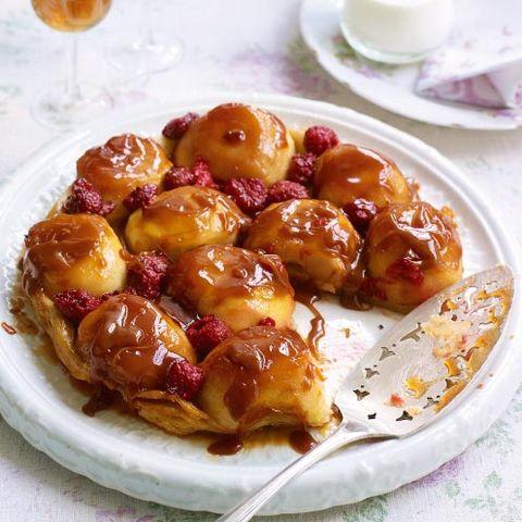 apple and raspberry tarte tatin
