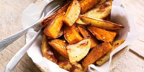 Food, Cuisine, Potato wedges, Salad, Fried food, Dishware, Tableware, Meal, Dish, Deep frying,