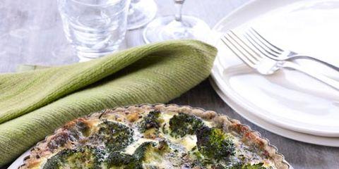 Dishware, Food, Dish, Tableware, Kitchen utensil, Cutlery, Recipe, Ingredient, Serveware, Pie,