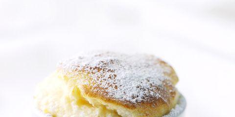 Serveware, Food, Cuisine, Ingredient, Sweetness, Dessert, Baked goods, Dishware, Dish, Powdered sugar,