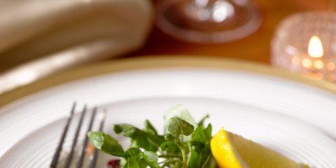 Dishware, Food, Tableware, Ingredient, Cuisine, Serveware, Cutlery, Plate, Kitchen utensil, Fish slice,