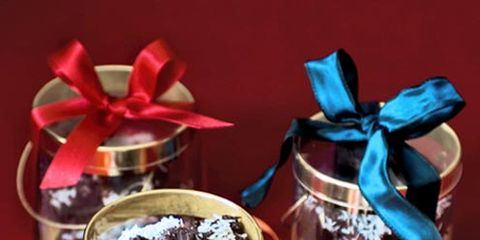Serveware, Food, Cuisine, Ribbon, Party supply, Cup, Dessert, Dish, Drinkware, Tableware,
