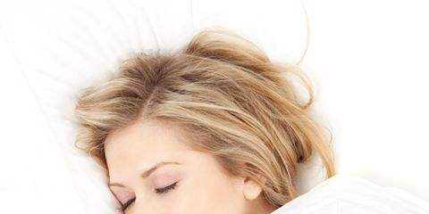 Lip, Comfort, Shoulder, Eyebrow, Eyelash, Linens, Neck, Bedding, Nap, Brown hair,