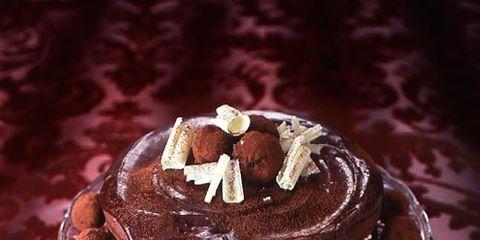 Food, Sweetness, Cuisine, Dessert, Baked goods, Serveware, Chocolate, Dairy, Ingredient, Dishware,