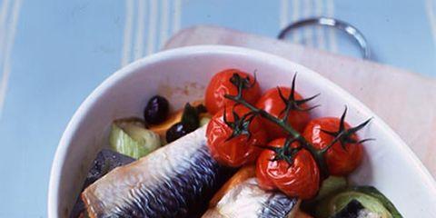 Food, Cuisine, Dishware, Tableware, Seafood, Ingredient, Fish, Dish, Plate, Fish slice,