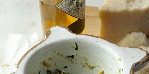 Liquid, Ingredient, Dishware, Condiment, Bowl, Serveware, Mortar and pestle, Cuisine, Recipe, Dish,