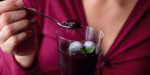 Finger, Drinkware, Drink, Tableware, Glass, Stemware, Alcoholic beverage, Nail, Cocktail, Ingredient,