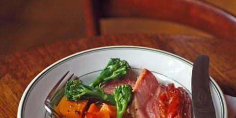 Food, Dishware, Tableware, Cuisine, Ingredient, Serveware, Produce, Root vegetable, Meal, Meat,