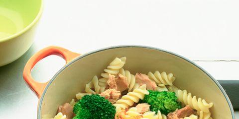 Pasta, Food, Cuisine, Ingredient, Serveware, Rotini, Dishware, Fusilli, Tableware, Recipe,