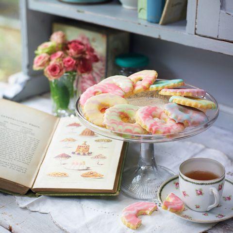 serveware, coffee cup, dishware, cup, drinkware, petal, tableware, teacup, tea, drink,