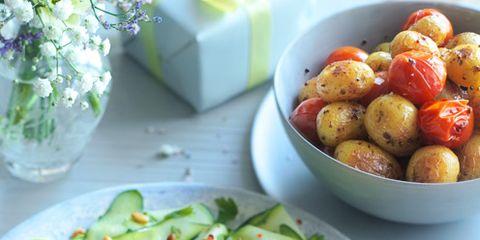 Food, Dishware, Serveware, Produce, Vegetable, Ingredient, Tableware, Plate, Flowerpot, Cuisine,