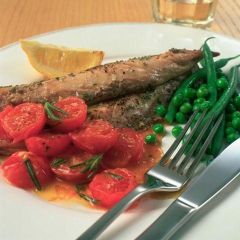 Food, Drink, Dishware, Tableware, Drinkware, Ingredient, Tomato, Cutlery, Kitchen utensil, Vegetable,