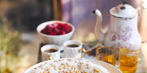 Serveware, Food, Cuisine, Ingredient, Tableware, Dish, Plate, Baked goods, Dishware, Drinkware,
