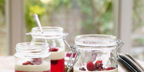 Liquid, Ingredient, Serveware, Tableware, Carmine, Dishware, Drinkware, Jam, Fruit, Kitchen utensil,