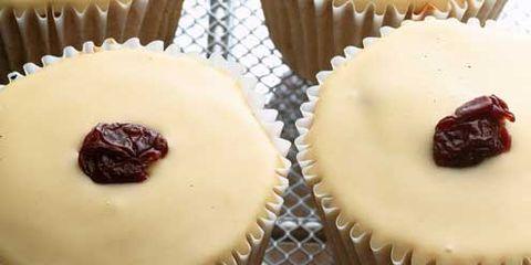 Food, Sweetness, Cupcake, Dessert, Ingredient, Baked goods, Baking cup, Cuisine, Recipe, Cake,