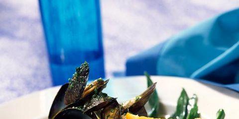 Food, Dishware, Ingredient, Tableware, Bivalve, Plate, Seafood, Serveware, Teal, Shellfish,