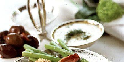 Food, Dishware, Ingredient, Produce, Cuisine, Plate, Dish, Vegetable, Serveware, Fried food,