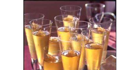 Drink, Barware, Glass, Tableware, Drinkware, Alcoholic beverage, Liquid, Serveware, Alcohol, Amber,