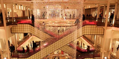 Retail, Shopping mall, Hall, Shopping, Lobby, Interior design, Commercial building, Business, Service, Customer,