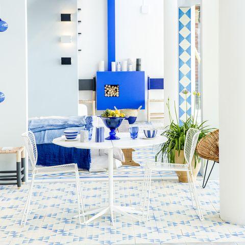 Blue, Interior design, Room, Floor, Interior design, Turquoise, Aqua, Azure, Tablecloth, Majorelle blue,