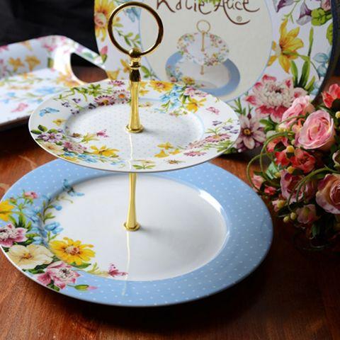 Serveware, Dishware, Plate, Tableware, Petal, Porcelain, Garden roses, Rose family, Peach, Flowering plant,