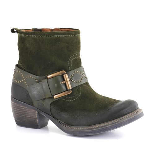 Footwear, Boot, Brown, Shoe, Fashion, Leather, Tan, Beige, Costume accessory, Work boots,