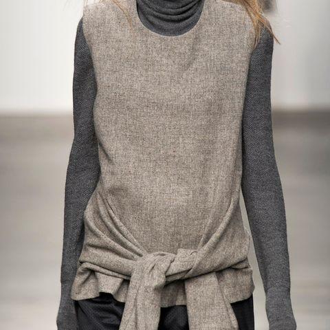 Sleeve, Textile, Woolen, Wool, Fashion, Neck, Grey, Sweater, Knitting, Fashion design,
