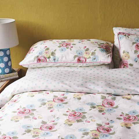 Blue, Textile, Room, Interior design, Linens, Pink, Bedding, Bed sheet, Bedroom, Pattern,