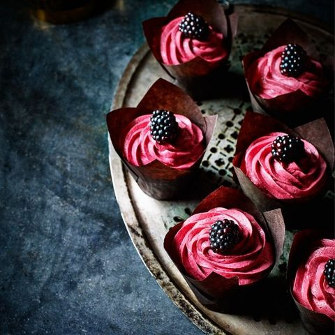 Blackberry gin cupcakes