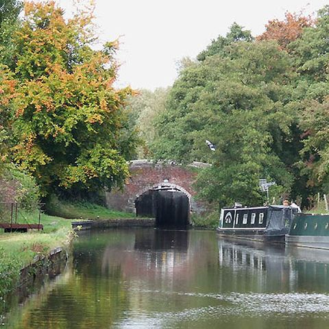 Body of water, Waterway, Channel, Water resources, Water, Canal, Watercourse, Bank, Tunnel, Bridge,