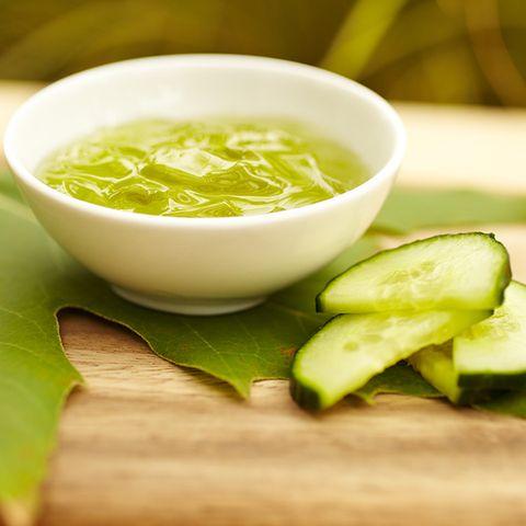 Food, Green, Ingredient, Leaf, Serveware, Condiment, Cuisine, Vegetable, Soup, Whole food,