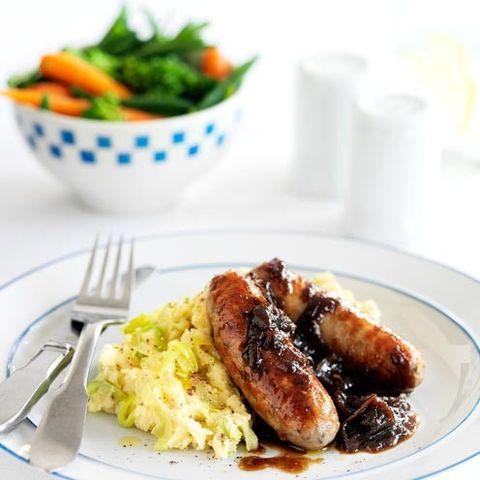Food, Dishware, Ingredient, Sausage, Meat, Breakfast sausage, Breakfast, Tableware, Serveware, Kielbasa,