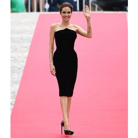 Dress, Shoulder, Joint, Flooring, Formal wear, One-piece garment, Pink, Waist, Cocktail dress, Magenta,