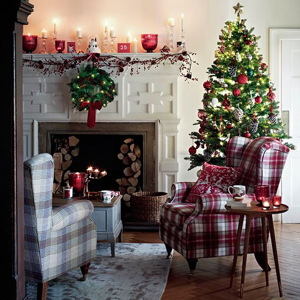 Fireplace decor ideas for Christmas , Christmas decorations