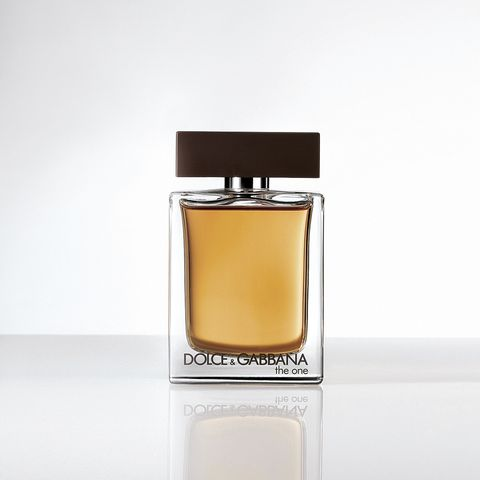 Liquid, Fluid, Product, Perfume, Amber, Glass, Transparent material, Rectangle, Peach, Material property,